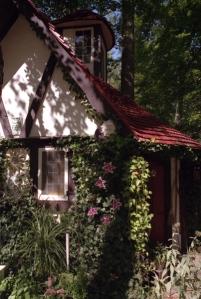102209_Cottage